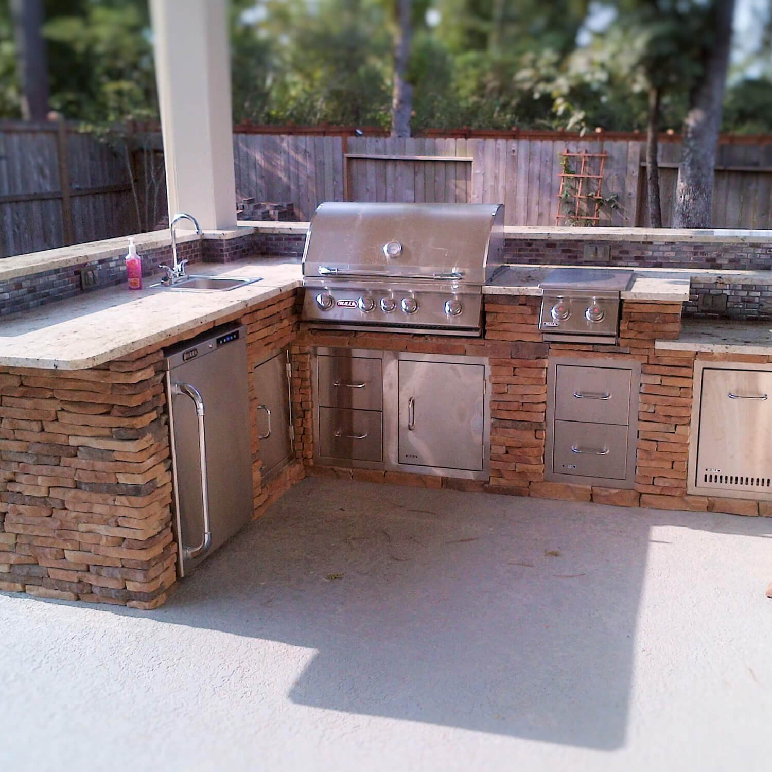 outdoor kitchen builders montgomery county texas