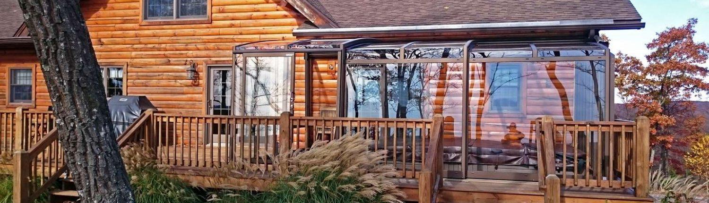 Patio enclosure CORSO Premium on wooden deck