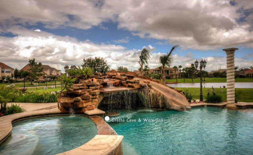 best swimming pool builders in Montgomery TX