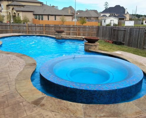 professional pool builders in Conroe, TX