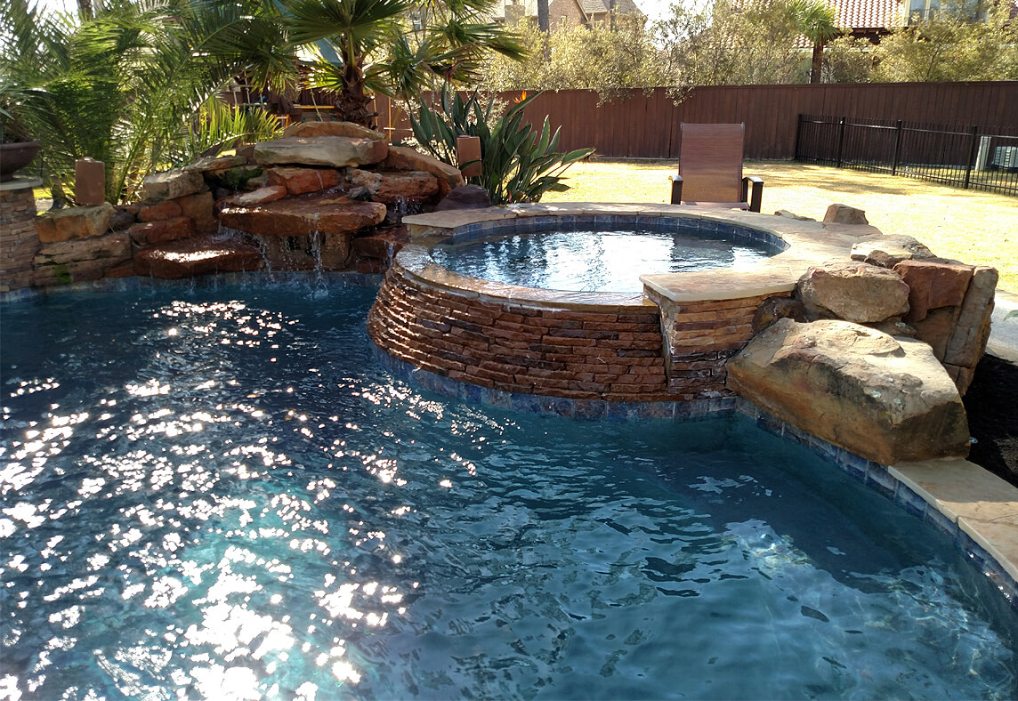 Custom inground gunite pool builders in Magnolia, TX
