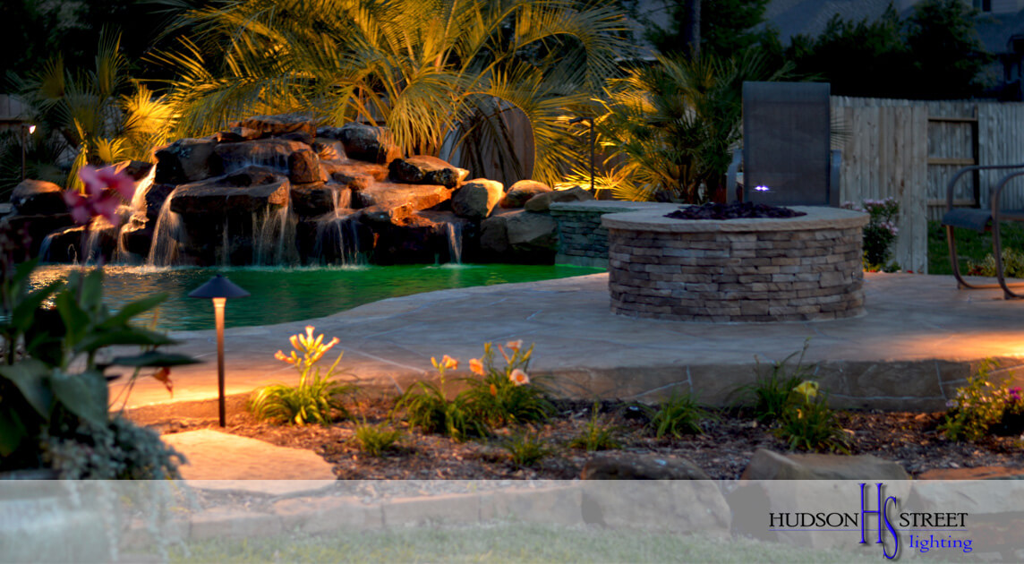 custom landscape lighting near the woodlands, tx 77381 77382 77389