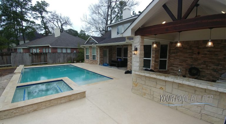 custom pools and outdoor living contractors near the woodlands, tx